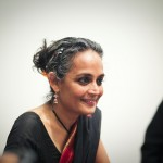 Hvem er Arundhati Roy?